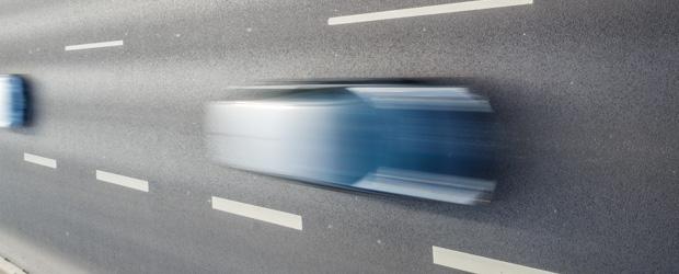 Auto mit Bewegungsunschärfe